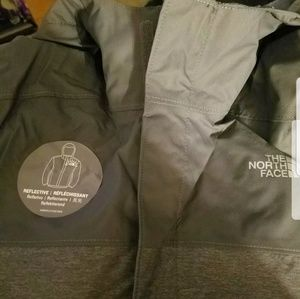 The North Face Jackets & Coats - North face boys resolve Rectie jacket size 7/8